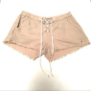NWOT Aerie lace up boating pull on shorts M